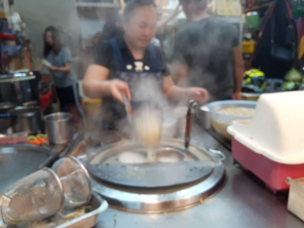 【台南 東區】便宜美味的客家料理在東寧路上│粄條軟Q順口