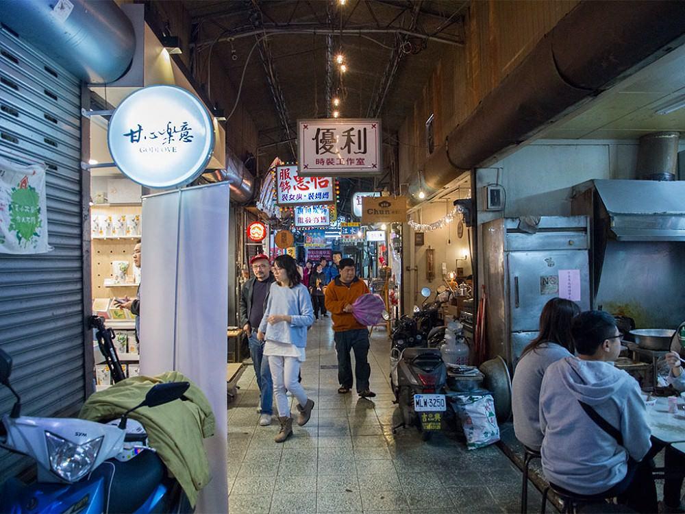 【台南中西區】永遠吃不膩的西市場(大菜市)週遭美食│台南必吃小吃秘笈