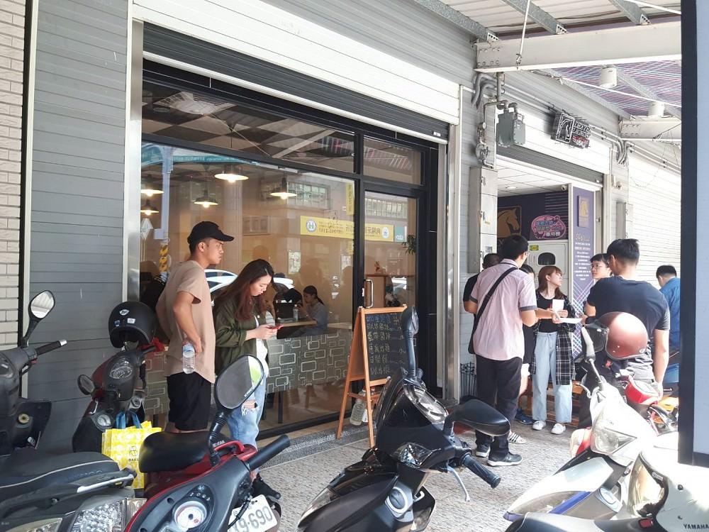 【台南 北區】才川 和洋料理。排隊美食 外酥肉嫩唐揚雞 卡滋卡滋藍帶豬排內牽絲