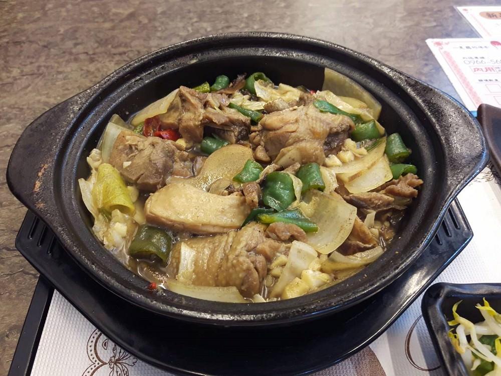 【台南 東區】來道-黃燜雞米飯。百元吃名菜黃燜雞、花雕雞|令人銷魂的白飯殺手