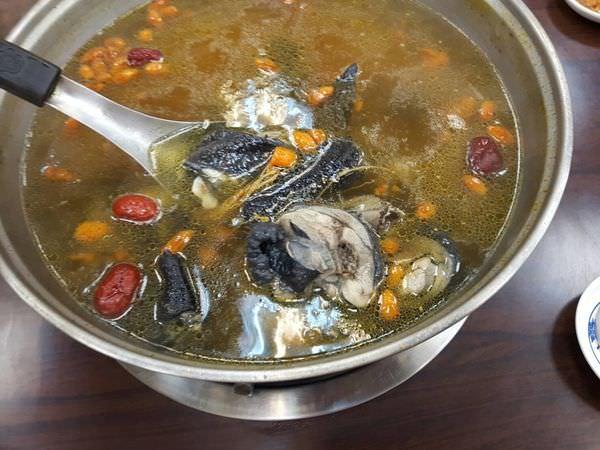 【台南 北區】枸尾雞料理火鍋好吃到「任督二脈都通了」